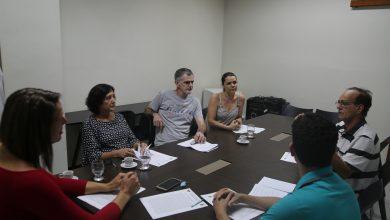 Photo of Vereadora se reúne com proprietários de bancas para discutir Projeto de Lei